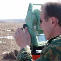 Первым делом отмежевали дорогу до поселения, проходящую по Московской области. Апрель 2009г.
